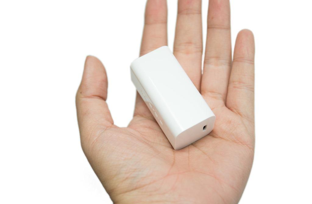 世界最小!筆電平板手機充電一顆搞定!超輕巧 Innergie 55cc 萬用充電器 @3C 達人廖阿輝