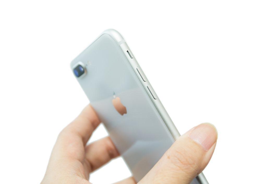 台灣上市啦!台版 iPhone 8 Plus 開箱,看看盒中有什麼?( iPhone 8 Plus unboxing) @3C 達人廖阿輝