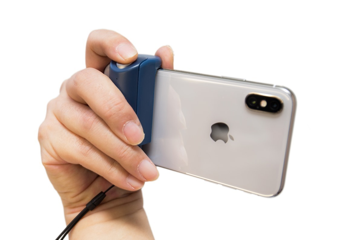 手機拍照更方便小玩意! JustMobile ShutterGrip 手機拍照手把! @3C 達人廖阿輝