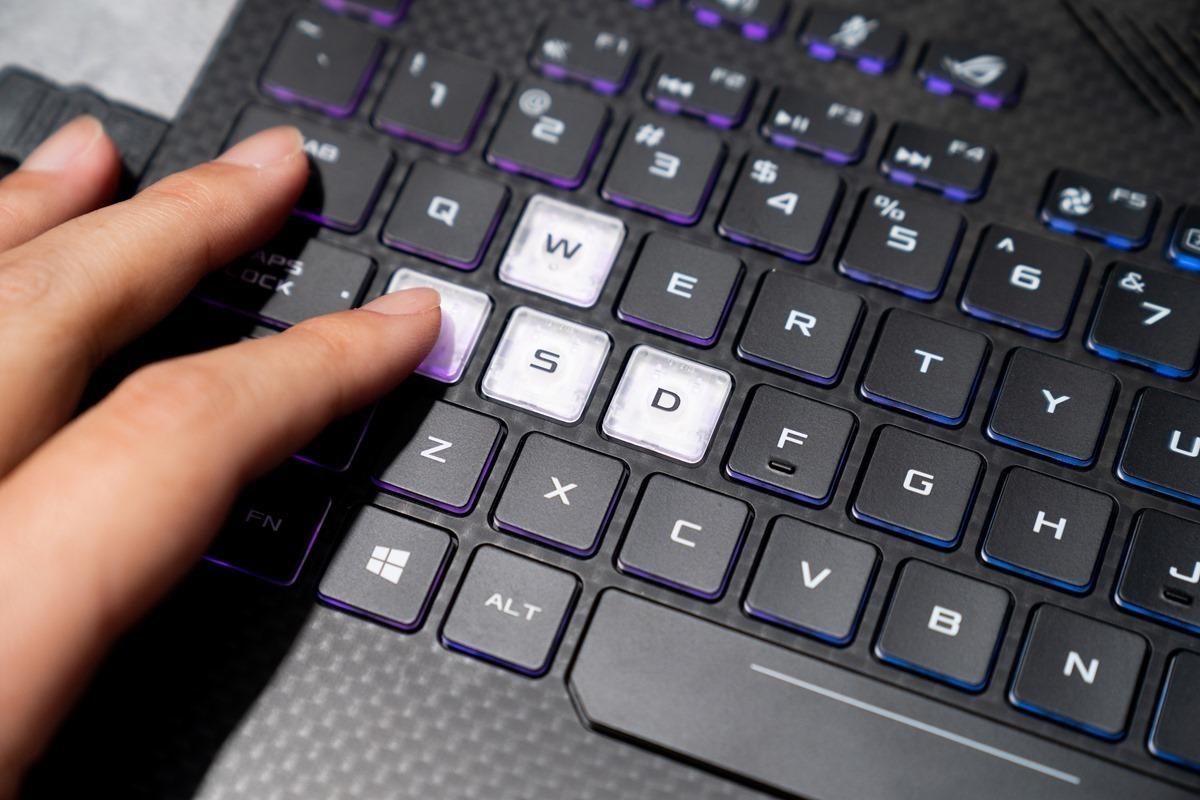 [Computex 2018] 華碩 ASUS 精銳盡出~ROG 筆電桌機周邊亮眼展出! @3C 達人廖阿輝