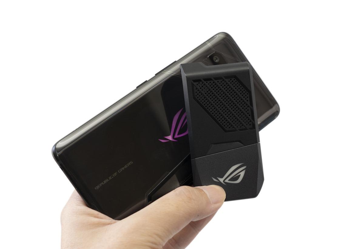 破三十萬啦!華碩 ROG Phone 電力性能實測!破紀錄了!(附 iPhone X / U12+ / P20 Pro / Note 9 測試比較) @3C 達人廖阿輝