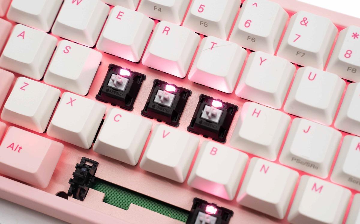[開箱] 新鍵盤入手!Varmilo 阿米洛 MIYA Pro 櫻花 68 鍵 PBT 熱昇華鍵帽機械式鍵盤 開箱分享 @3C 達人廖阿輝