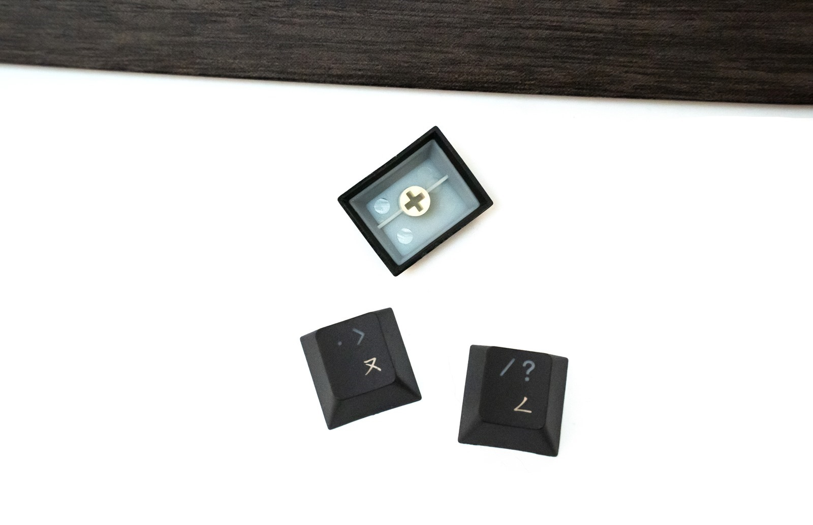 木紋經典融合科技!i-Rocks 艾芮克 K72E RGB 電容式鍵盤開箱 @3C 達人廖阿輝