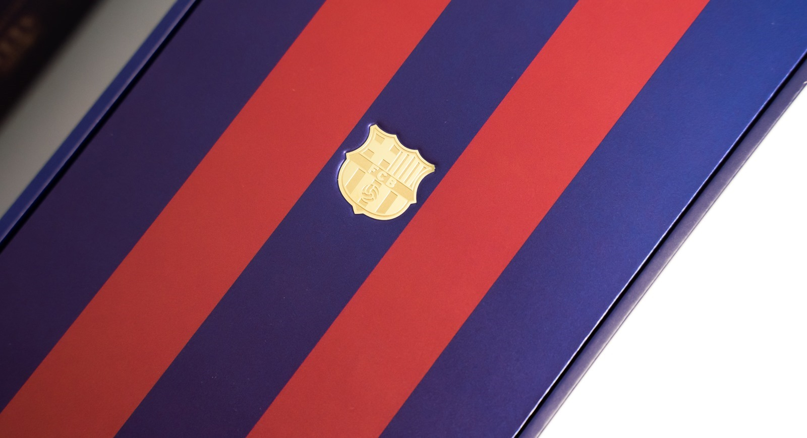 7/26 登場搶先開箱!OPPO Reno 紅藍巴薩限量版 台灣搶先開箱(OPPO Reno 10x zoom FC Barcelona Edition unboxing)@3C 達人廖阿輝