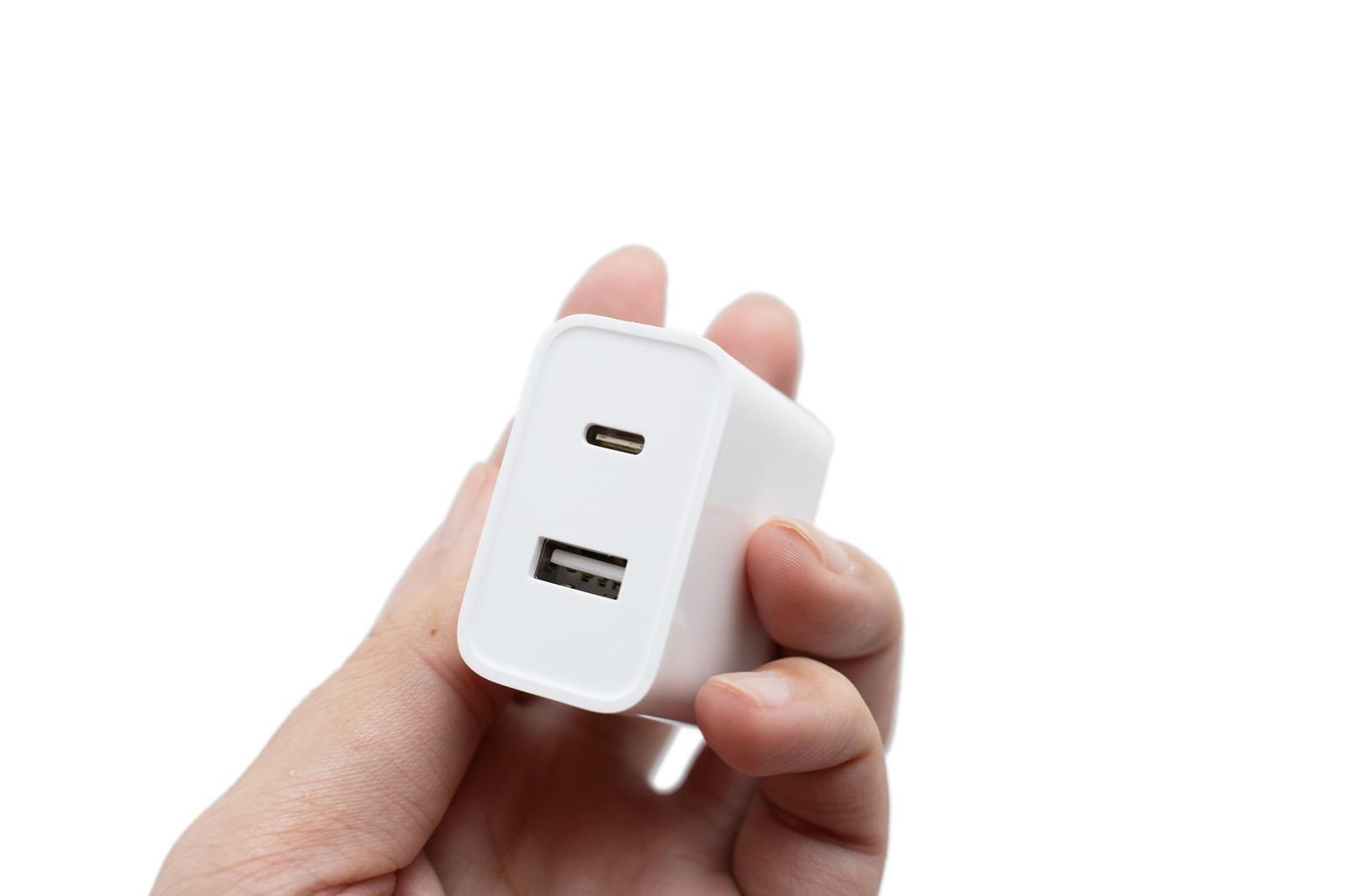 只要 NT$275 實現 iPhone 快充超便宜!小米 30W 雙口快充 USB + Type C 手機筆電都可以的超划算充電器 @3C 達人廖阿輝